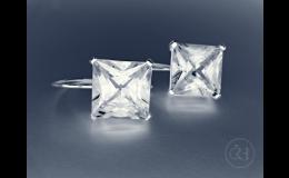 Náušnice s vsazenými kamínky