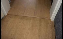 Plovoucí podlahy a podlahy k lepení