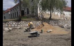 Rekonstrukce rybníků - zpevnění břehů, hrází