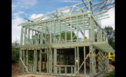 Příhradové vazníky a střešní konstrukce pro průmyslové a komerční objekty