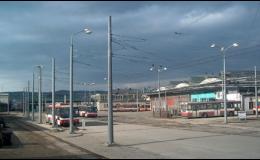 Výroba speciálních nerezových stožárů osvětlení silnic