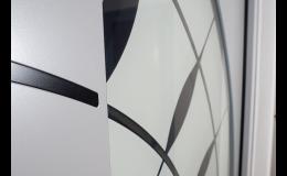 Verglasungen von Eingangstüren - Sicherheitsglas, Wärmedämmungsglas, klar und dekorativ, die Tschechische Republik