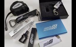 Zakázkový potisk reklamních předmětů - USB, tašky, metry, vývrtky, zapalovače, hrnky, nádobí apod