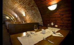 Stylová restaurace a vinárna v moravském stylu