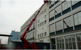 Pronájem teleskopických pracovních plošin Brno