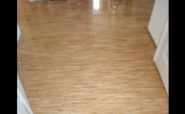 Renovace poničených dřevěných podlah
