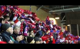 Zákazková výroba šálov a čiapok pre športových fanúšikov od výrobcu z Českej republiky