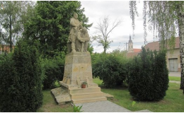 Pomník osvoboditelům, Hrušovany nad Jevišovkou
