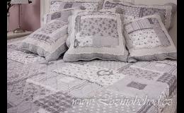 Patchwork přehozy přes postel, chalupářský styl