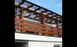 Rámové, bezrámové konstrukce pro zasklení zimních zahrad, balkónů
