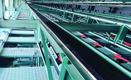 Průmyslová instalace a montáž třídící linky na prkna a trámy