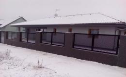 Montáž a prodej oplocení - plotové panely, poplastované pletivo, kované oplocení, oplocení Tahokov, plastové palubky Hrotovice, Třebíč