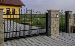 Výroba bran na míru - nesená elektrická, pojezdová nebo dvoukřídlá brána Hrotovice, Třebíč.