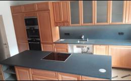 Luxusní kamenná deska do kuchyně