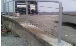 Zakázková výroba zábradlí, bran, schodišť, přístřešků Hrotovice