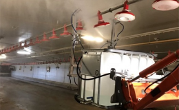 Nastavení ramen na paralelogramech pro čištění stropů, stěn