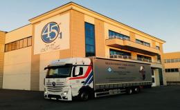 Autoverkehr - Straßentransport  von Schüttgut und Palettenfracht bis zu 24 Tonnen, die Tschechische Republik