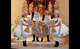 Město Velké Bílovice s tradičními kulturními akcemi - hody, dožinky