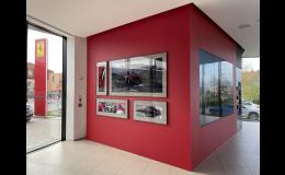 Skleněná stěna pro autosalon Ferrari Praha