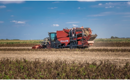 Obhospodařování 4300 ha pole