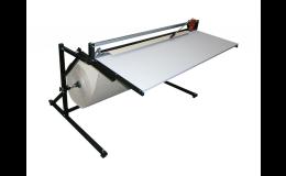 Řezací stojan se stolem pro balící pracoviště