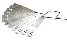 nerezové štítky pro značení kabelů a vodičů