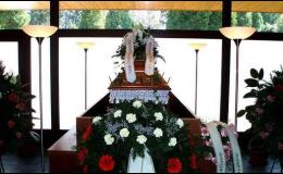 Pohřební služba, pohřby, parte, obřadní síň, květinová vazba, kremace, převoz zesnulých