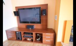 Nábytek na míru do dětských pokojů, kuchyní i kanceláří