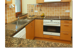 kamenné kuchyňské desky na míru