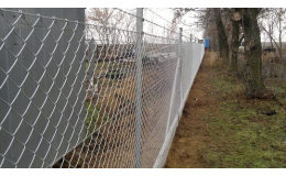 Pozinkované a poplastované pletivo a plotové systémy