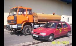 Práce s požární a kropící cisternou Praha