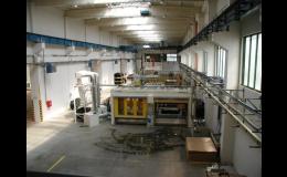 Betonové průmyslové haly nabízí možnosti pro skladování i výrobu.