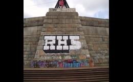 Odstraníme staré nátěry i graffiti