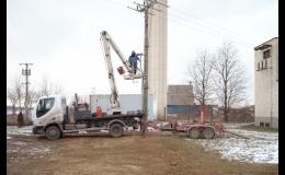 Zajistíme elektromontáže venkovních i kabelových sítí.