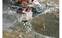 Univerzální frézy pro hydraulické bagry