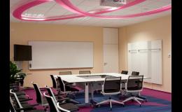 U nás můžete pořádat firemní prezentace i workshopy