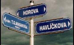 Městský mobiliář - směrníky a ukazatele
