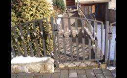 Ocelové ploty Jičín - montáž