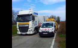 Los costos excesivos, incluyendo acompaña a camiones y vehículos industriales de gran tamaño