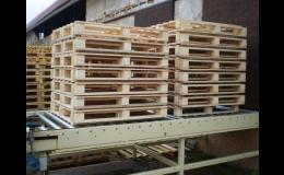 Dřevěné palety pro skladování a přepravu zboží