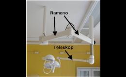 Stropní lékařská lampa