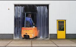 Lamelové clony do vchodů pro zajištění tepelné izolace Ostrava