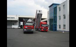 Doprava sypkých materiálů nákladním i valníkovým návěsem
