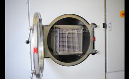 Výkonné zařízení pro odmašťování dílů znečištěných olejem, emulzemi