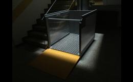 Vertikální zvedací plošiny pro imobilní osoby