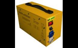 Síťový stabilizátor pro kontrolu napětí