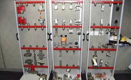 Zkušební trhací stroje a lisy Testometric