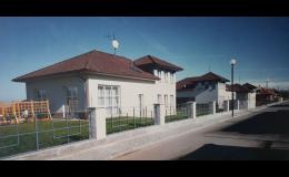 Rodinné domy a vily včetně interiérů