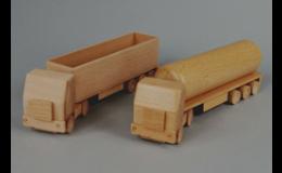 Holzdrehen und Holzhobeln, kleine Produkte und Halbprodukte aus Holz Tschechien