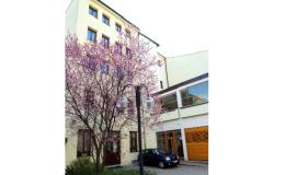 Ubytování pro služební cesty s hlídaným parkovištěm u hotelu Opava